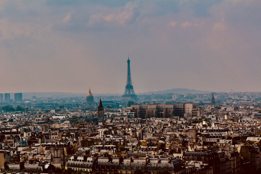 Paris für Touristen in 2 Minuten