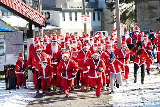 Santa Run im Weihnachtsmannkostüm - Sonntag 15 Dezember